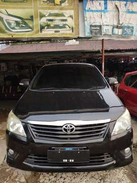 Dijual Toyota Innova 2012 Tipe G A/T Warna Hitam