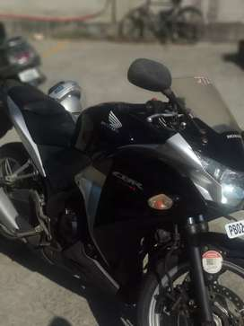 Cbr 250r  first owner black great condition