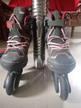 Skating shoe and set oxelo. New .good condition.