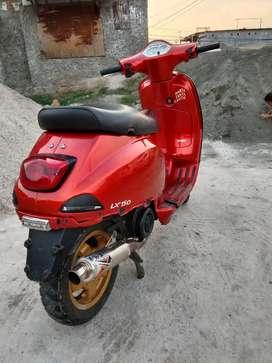 ingin menjual sepeda motor Vespa LX 150 cc
