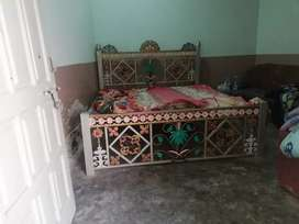 Iron bed used condition new