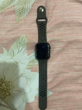 Apple Watch Series 4 Gsm and Gps