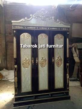 Lemari pakian cinta mewah pintu 3, bahan kayu jati tua asli 100%