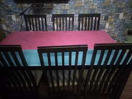 Beautiful dining table with four chairs, sale or exchange