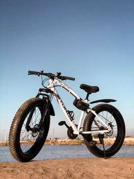 Sturdy 21:gear FAT TYRE CYCLE. New available
