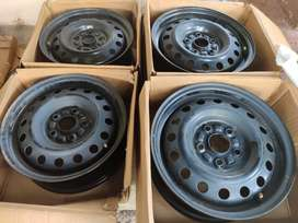 Maruti genuine new 15 inch black rims with wheel cups