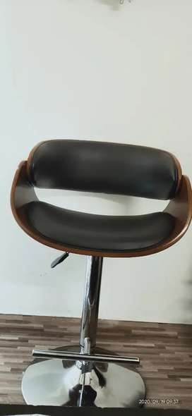 Brand new hight  adjustable chair.( IMPORT from USA)