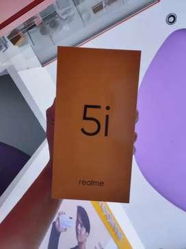 Realme 5i • 4GB   64GB • 5000 mah