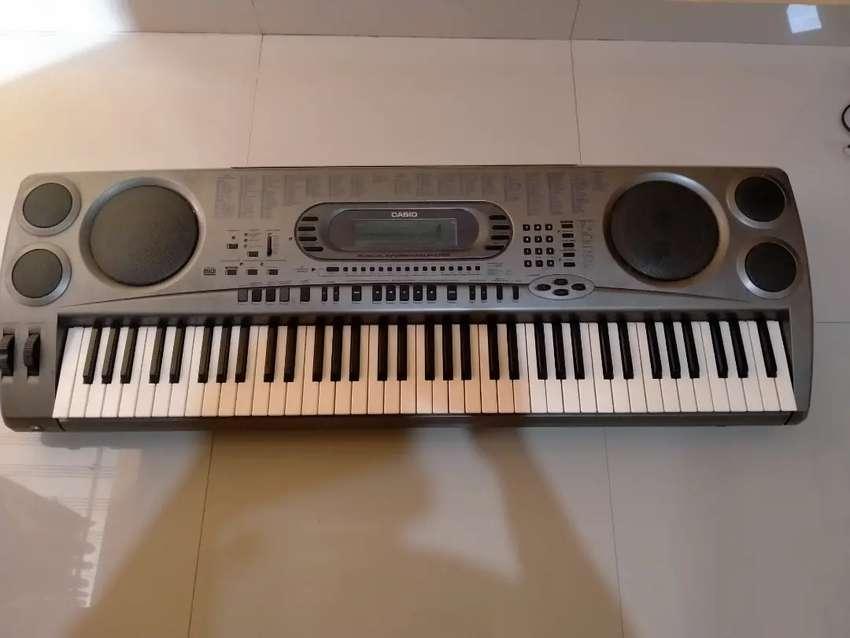 Keyboard casio wk 1800 kondisi masih bagus semua 0