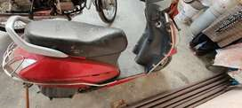 Scooty in good condition with all papers complete