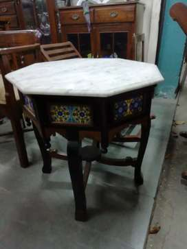 Octagonal table marble top