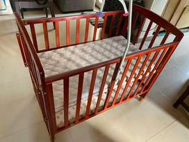 Luvlap Baby Cot C50 with mattress and mosquito net