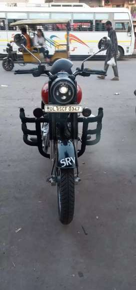 Royal Enfield Classic7400 Kms 2017 year