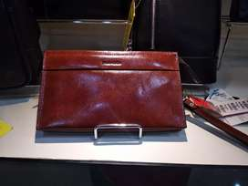 Pierre Cardin Clutch Bag Brown bisa Cicilan di Homecredit