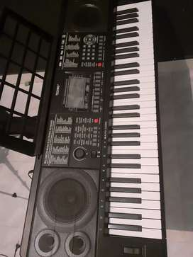 Keyboard atau piano techno T-9880ig2