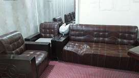 I have been sales sofas and table