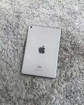 iPAD Mini 4 128gb warna gray second