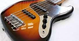 Bass Fender Japan 5 senar 1995