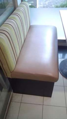 Furniture cafe Rp 10 jt
