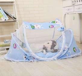 Tempat tidur bayi dengan kelambu motif bunny