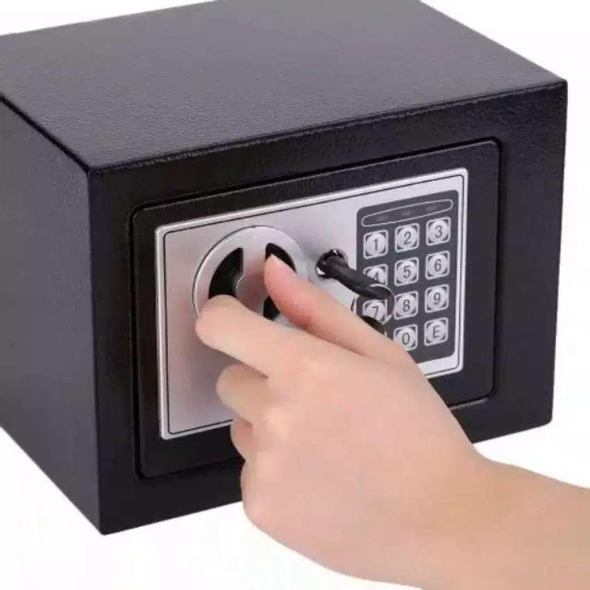 HS Tempat uang Brankas mini safety box password 4.6 L taffware 17E 0