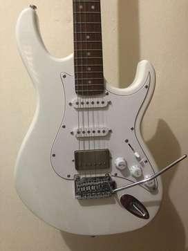 jual gitar cort g260cs white (roasted maple neck)