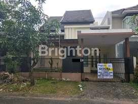 Rumah 2 Lantai Disewakan di Greenwood Golf Araya Malang