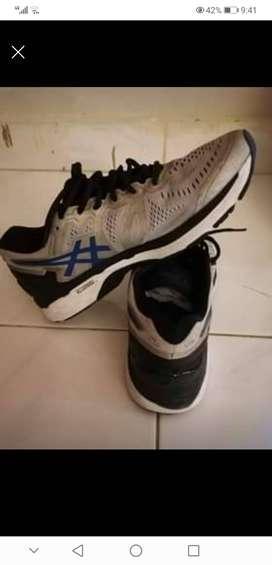 Sepatu asics size 11/45