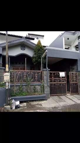 Disewakan rumah Antapani