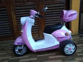 Scoopy Motor aki anak