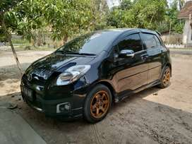 Yaris 2012 hitam S limited matic