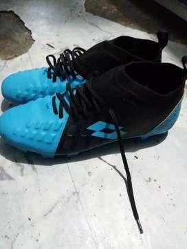 Sepatu bola lotto size 42