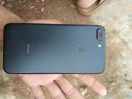 Sell iphone 7+ (32 gb) , fully laminated .