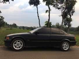 Dijual Cepat !!! BMW 320i 1996 hitam