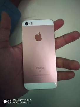 Iphone se 32 gb rose gold.with bill box and charger.