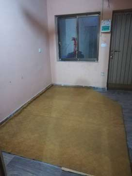good Condition room for students and job holder