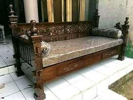 Bangku bale rahwana ukir +matras bantal material kayu jati