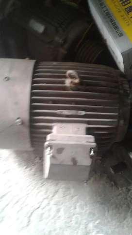 Mesin pembuat tepung . Kapasitas besar, Raymond Mill 3R