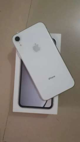 iphone XR  64 gb 100% condition