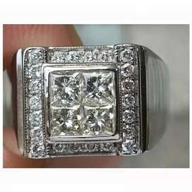 4 DIAMONDS PRINCESS CUT WITH RING GOLD