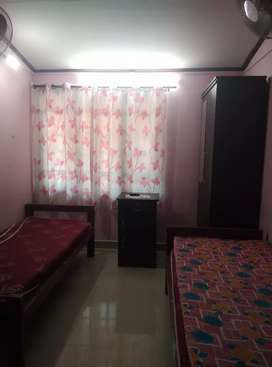 Accommodation for girls.. With food