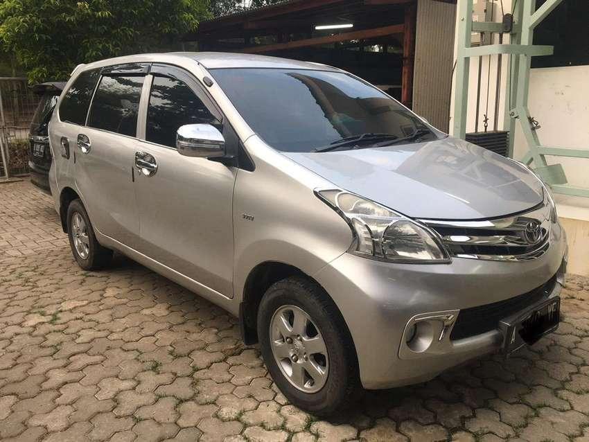 Toyota Avanza A/T 2012 Silver Lengkap 0
