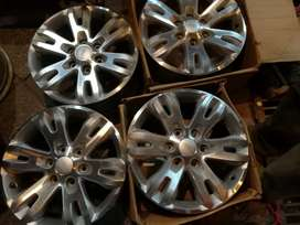 Original Used Ford ENDEAVOUR 18 ALLOY WHEEL