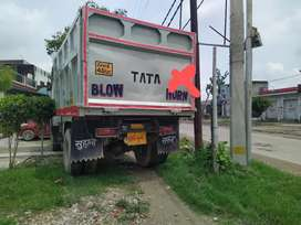 Selling  1618 in osm condition every thing is fine with this truck wel