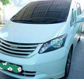 Honda freed E putih 2011 matic PSD