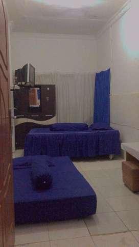 Disewakan kamar kost( hari/ mingguan/ bulanan) + listrik+ air