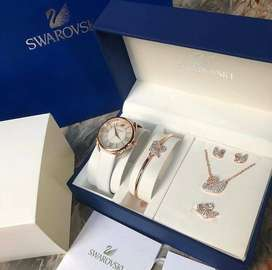 SWAROVSKI Watch Set & Pendant