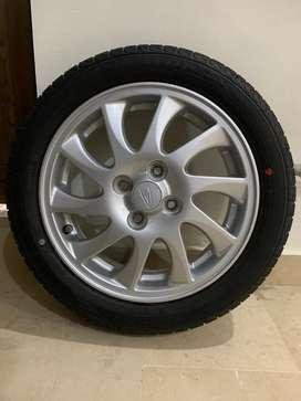 Brand New Alloy Rims/Wheels With 15 Num Dunlop Japan Genuine Tyres