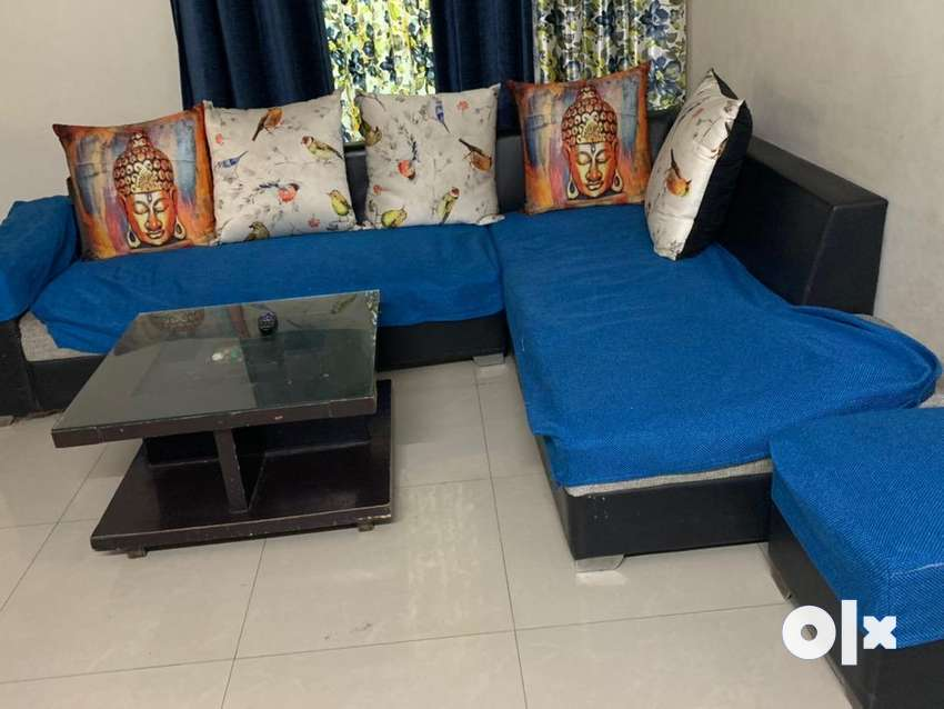 Sofa set 6 seater with center table