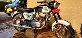 Vintage Yezdi D250 for sale with passing done till 2025